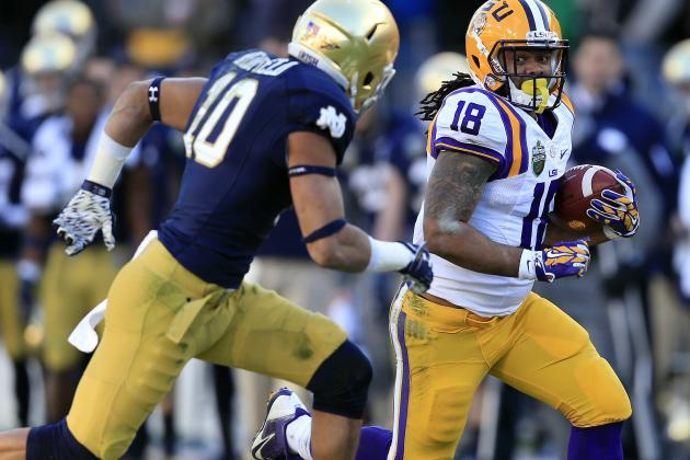 Max Redfield vs. LSU by Mark Humphrey/Associated Press