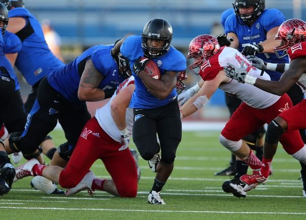 Buffalo RB Anthone Taylor (Mark Mulville/Buffalo News)