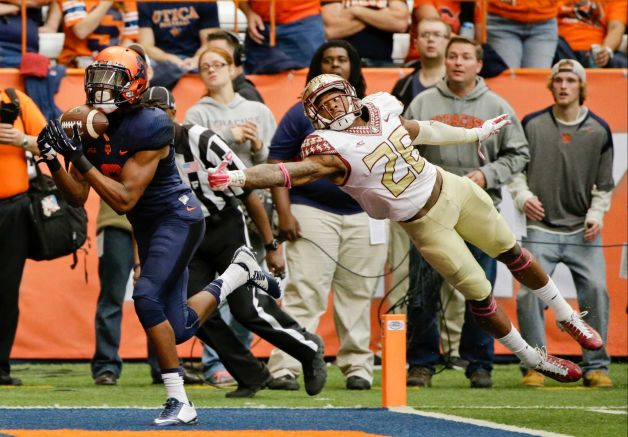 SU WR Steve Ishmael catches a TD pass against FSU (Photo Courtesy of Frank Franklin II/AP Photo)