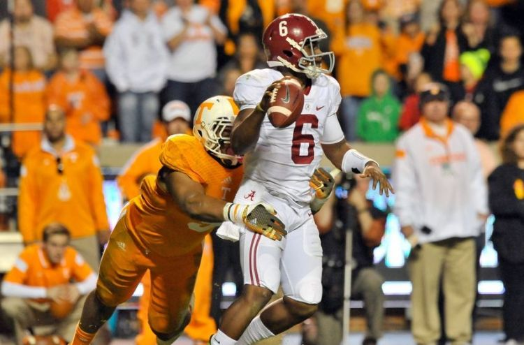 UT DE Derek Barnett sacks Alabama's Blake Sims (Photo Courtesy of Jim Brown/USA TODAY Sports)
