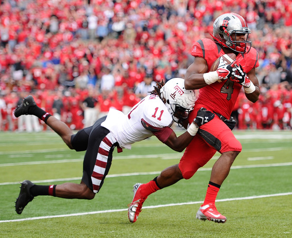 Rutgers WR Leonte Carroo hauls in the game-winning TD pass against Temple (Photo Courtesy of Maddie Meyer/Getty Images North America)
