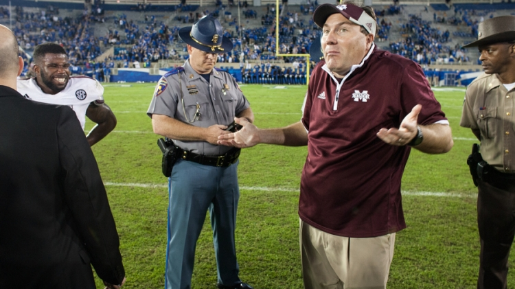 Kentucky Wildcats vs. Mississippi State Bulldogs at Commonwealth Stadium